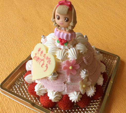 プリンセスケーキ(イチゴのショート・イチゴのムース)