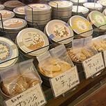 缶入りクッキー各種