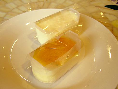 はんじゅくチーズ/白い生チーズ