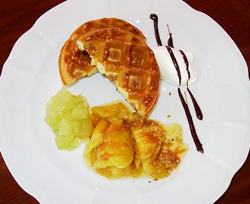 【10月限定】ブラムリーアップルのデザート〜ワッフル〜